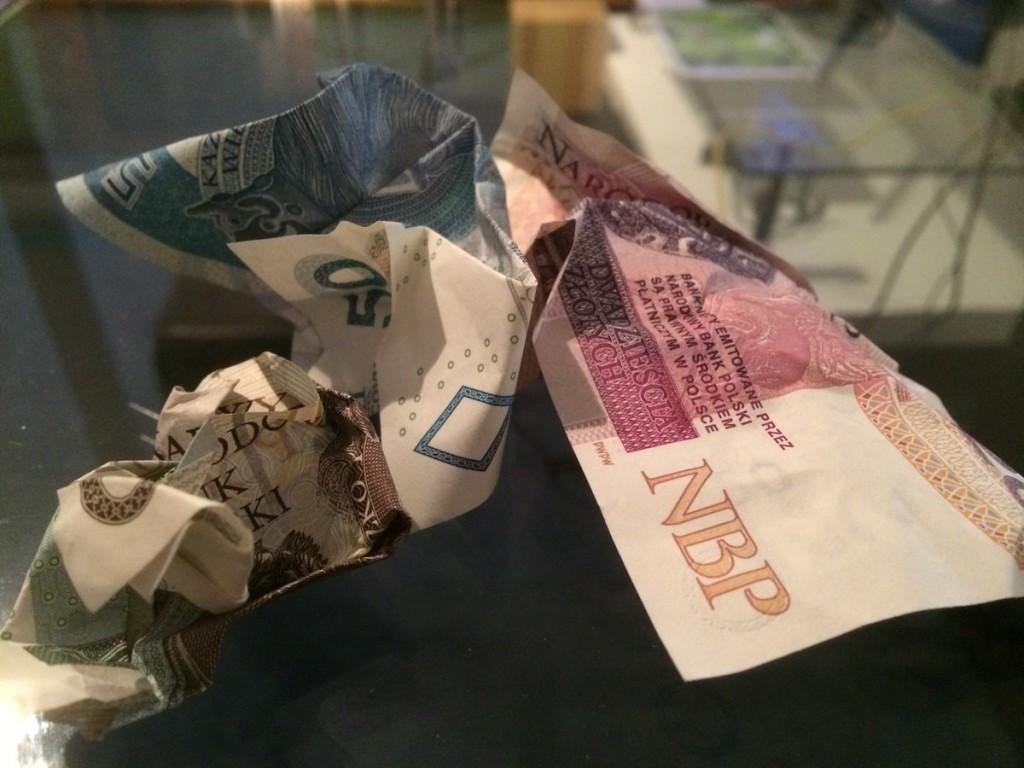 bierna agresja pieniądze